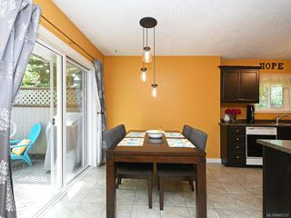 Photo 5: 117 2723 Jacklin Rd in Langford: La Langford Proper Row/Townhouse for sale : MLS®# 842337