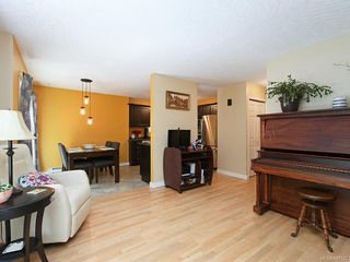 Photo 3: 117 2723 Jacklin Rd in Langford: La Langford Proper Row/Townhouse for sale : MLS®# 842337
