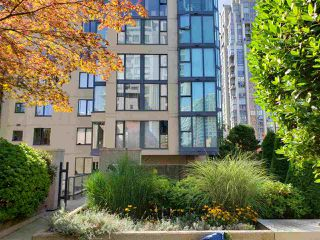 Main Photo: 2305 1155 HOMER Street in Vancouver: Yaletown Condo for sale (Vancouver West)  : MLS®# R2501516