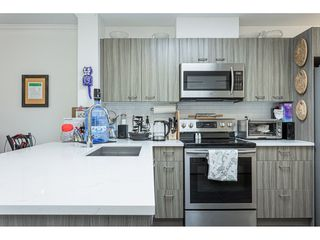 "Photo 8: 406 15210 PACIFIC Avenue: White Rock Condo for sale in ""OCEAN RIDGE"" (South Surrey White Rock)  : MLS®# R2527441"