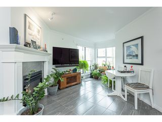 "Photo 3: 406 15210 PACIFIC Avenue: White Rock Condo for sale in ""OCEAN RIDGE"" (South Surrey White Rock)  : MLS®# R2527441"