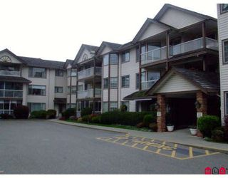 "Photo 1: 207 32145 OLD YALE Road in Abbotsford: Abbotsford West Condo for sale in ""CYPRESS PARK"" : MLS®# F2832457"