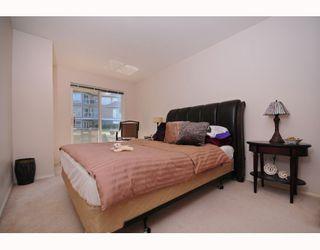 """Photo 5: 117 5880 DOVER Crescent in Richmond: Riverdale RI Condo for sale in """"WATERSIDE"""" : MLS®# V760760"""