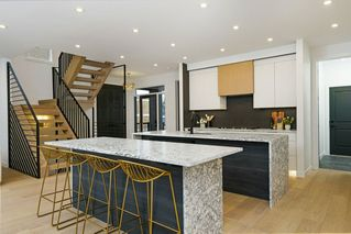Photo 10: 5723 110 Street in Edmonton: Zone 15 House for sale : MLS®# E4188445