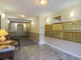 Photo 4: 107 1631 Dufferin Cres in NANAIMO: Na Central Nanaimo Condo for sale (Nanaimo)  : MLS®# 840643