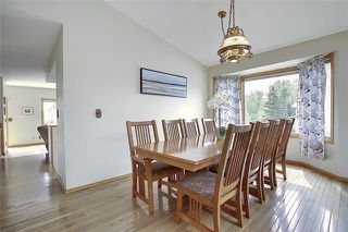 Photo 8: 4 STRATHBURY Circle SW in Calgary: Strathcona Park Detached for sale : MLS®# C4301110