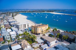 Photo 17: MISSION BEACH Condo for sale : 2 bedrooms : 2808 Bayside Walk #A in San Diego