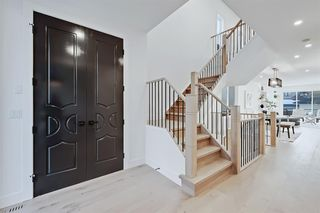 Photo 2: 2431 26A Street SW in Calgary: Killarney/Glengarry Detached for sale : MLS®# A1045092