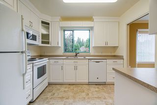 """Photo 10: 202 1569 EVERALL Street: White Rock Condo for sale in """"Seawynd Manor"""" (South Surrey White Rock)  : MLS®# R2513338"""