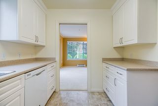 """Photo 11: 202 1569 EVERALL Street: White Rock Condo for sale in """"Seawynd Manor"""" (South Surrey White Rock)  : MLS®# R2513338"""