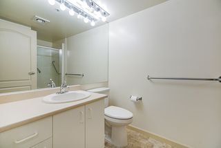 """Photo 19: 202 1569 EVERALL Street: White Rock Condo for sale in """"Seawynd Manor"""" (South Surrey White Rock)  : MLS®# R2513338"""