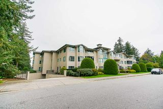 """Photo 2: 202 1569 EVERALL Street: White Rock Condo for sale in """"Seawynd Manor"""" (South Surrey White Rock)  : MLS®# R2513338"""