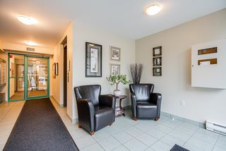 """Photo 3: 202 1569 EVERALL Street: White Rock Condo for sale in """"Seawynd Manor"""" (South Surrey White Rock)  : MLS®# R2513338"""