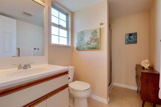 Photo 13: 306 1447 BEST STREET in South Surrey White Rock: White Rock Home for sale ()  : MLS®# R2401122