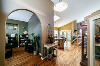 Photo 5: 614 HUNTERS Close in Edmonton: Zone 14 House for sale : MLS®# E4221624