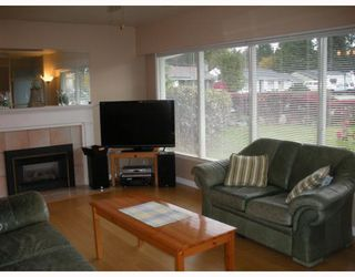"""Photo 2: 1397 COTTONWOOD in North Vancouver: Norgate House for sale in """"NORGATE"""" : MLS®# V797240"""
