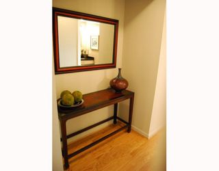 "Photo 8: 404 1688 CYPRESS Street in Vancouver: Kitsilano Condo for sale in ""YORKVILLE SOUTH"" (Vancouver West)  : MLS®# V797521"