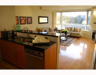 "Photo 2: 404 1688 CYPRESS Street in Vancouver: Kitsilano Condo for sale in ""YORKVILLE SOUTH"" (Vancouver West)  : MLS®# V797521"