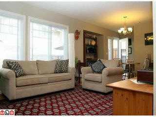 """Photo 3: 20 6110 138TH Street in Surrey: Sullivan Station Townhouse for sale in """"Seneca Woods"""" : MLS®# F1019158"""