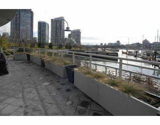 "Photo 3: 616 KINGHORNE MEWS BB in Vancouver: False Creek North Condo for sale in ""SLIVER SEA"" (Vancouver West)  : MLS®# V754390"