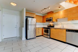 """Photo 4: 414 7418 BYRNEPARK Walk in Burnaby: South Slope Condo for sale in """"GREEN"""" (Burnaby South)  : MLS®# R2388618"""