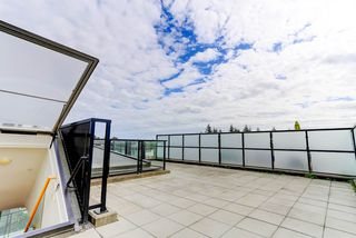"""Photo 1: 414 7418 BYRNEPARK Walk in Burnaby: South Slope Condo for sale in """"GREEN"""" (Burnaby South)  : MLS®# R2388618"""