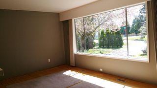 Photo 2: 13191 15 Avenue in Surrey: Crescent Bch Ocean Pk. House for sale (South Surrey White Rock)  : MLS®# R2428821