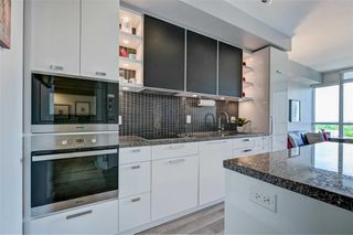 Photo 6: 1704 32 Davenport Road in Toronto: Annex Condo for sale (Toronto C02)  : MLS®# C4781103
