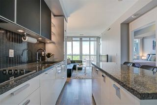 Photo 4: 1704 32 Davenport Road in Toronto: Annex Condo for sale (Toronto C02)  : MLS®# C4781103