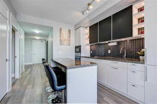Photo 3: 1704 32 Davenport Road in Toronto: Annex Condo for sale (Toronto C02)  : MLS®# C4781103