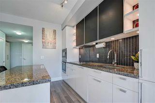 Photo 5: 1704 32 Davenport Road in Toronto: Annex Condo for sale (Toronto C02)  : MLS®# C4781103