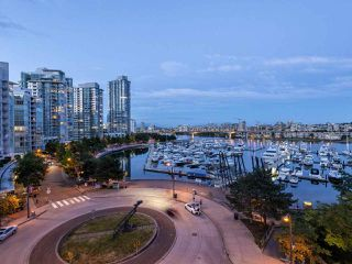 "Photo 4: 705 1201 MARINASIDE Crescent in Vancouver: Yaletown Condo for sale in ""The Penninsula"" (Vancouver West)  : MLS®# R2480191"