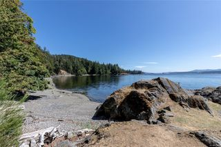 Photo 3: 230 Smith Rd in : GI Salt Spring Single Family Detached for sale (Gulf Islands)  : MLS®# 851563
