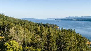 Photo 2: 230 Smith Rd in : GI Salt Spring Single Family Detached for sale (Gulf Islands)  : MLS®# 851563