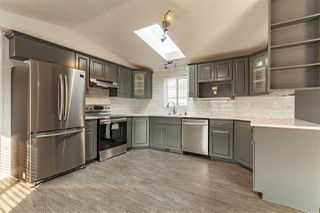 Photo 3: 2942 Lakewood Drive in Edmonton: Zone 59 Mobile for sale : MLS®# E4209784