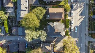 """Photo 17: 2820 FRASER Street in Vancouver: Mount Pleasant VE House for sale in """"""""Belle View"""""""" (Vancouver East)  : MLS®# R2507724"""