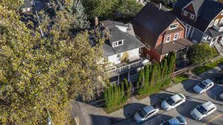 """Photo 2: 2820 FRASER Street in Vancouver: Mount Pleasant VE House for sale in """"""""Belle View"""""""" (Vancouver East)  : MLS®# R2507724"""