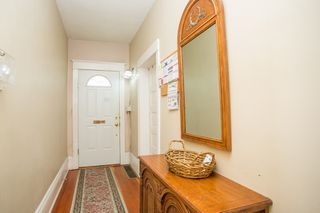 """Photo 8: 2820 FRASER Street in Vancouver: Mount Pleasant VE House for sale in """"""""Belle View"""""""" (Vancouver East)  : MLS®# R2507724"""