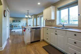 Photo 3: 2364 Idiens Way in : CV Courtenay East House for sale (Comox Valley)  : MLS®# 860585