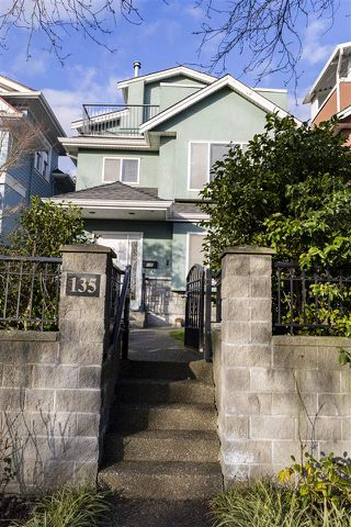 Main Photo: 135 E 62ND Avenue in Vancouver: South Vancouver House for sale (Vancouver East)  : MLS®# R2531289