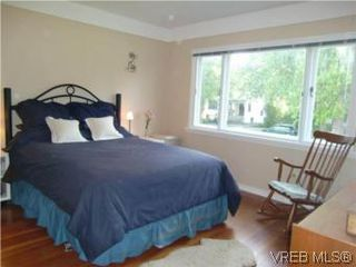 Photo 13: 2521 Fernwood Road in VICTORIA: Vi Oaklands Single Family Detached for sale (Victoria)  : MLS®# 281165