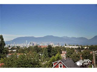 "Photo 9: 649 E 22ND Avenue in Vancouver: Fraser VE House for sale in ""Main/Fraser"" (Vancouver East)  : MLS®# V848878"