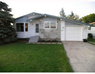 Photo 1: 213 WELLINGTON Avenue in MORRIS: Manitoba Other Residential for sale : MLS®# 2815532