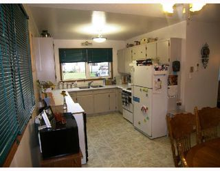 Photo 4: 213 WELLINGTON Avenue in MORRIS: Manitoba Other Residential for sale : MLS®# 2815532