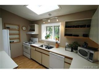 Photo 5:  in VICTORIA: La Thetis Heights Single Family Detached for sale (Langford)  : MLS®# 463920