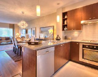 """Photo 3: 6161 OAK Street in Vancouver: South Granville Townhouse for sale in """"CARRINGTON"""" (Vancouver West)  : MLS®# V745819"""