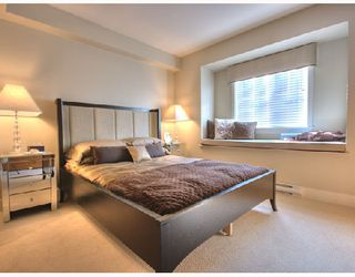 """Photo 4: 6161 OAK Street in Vancouver: South Granville Townhouse for sale in """"CARRINGTON"""" (Vancouver West)  : MLS®# V745819"""