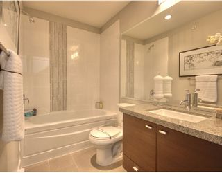"""Photo 6: 6161 OAK Street in Vancouver: South Granville Townhouse for sale in """"CARRINGTON"""" (Vancouver West)  : MLS®# V745819"""