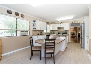 Photo 7: 18222 58B Avenue in Surrey: Cloverdale BC House for sale (Cloverdale)  : MLS®# R2395473