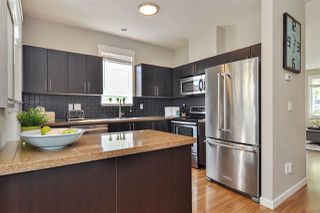 """Photo 7: 40 6575 192 Street in Surrey: Clayton Townhouse for sale in """"IXIA"""" (Cloverdale)  : MLS®# R2410313"""
